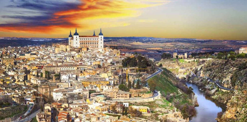 Toledo from Madrid: round trip bus with tourist guide on board
